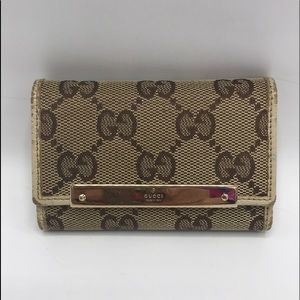 Authentic GUCCI GG Monogram Canvas 6 Ring Key Case